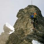 Klettereinlage-am-kleinen-felsigen-Gratturm