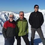 Schneeschuhwanderer auf dem Stein-mandl