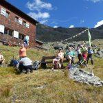 Pause beim Abstieg auf der Edmund-Graf-Hütte