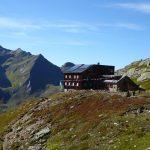 Blick von Weitem auf die Edmund-Graf-Hütte