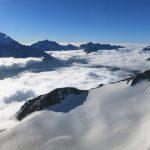 Über den Wolken: Blick über das Saastal